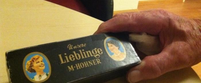 Der Mundharmonika-Spieler *1927